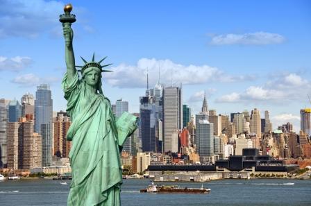 New-York-Skyline-mit-Freiheitsstatue